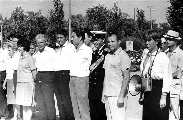 Юрий Гагарин на торжественной линейке в пионерлагере