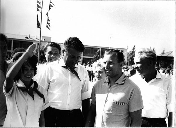 Встреча Юрия Гагарина в евпаторийском пионерском лагере, август 1965 год.