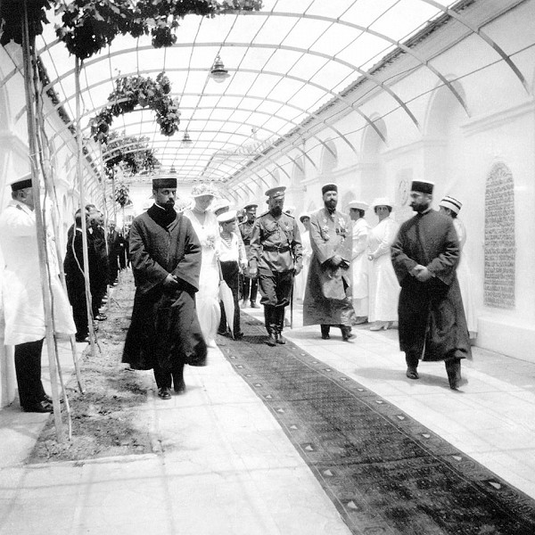 Николай II в караимских кенасах